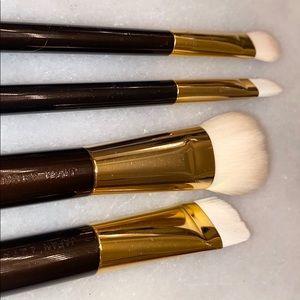 TomFord Synthetic Foundation Blush contour Brush